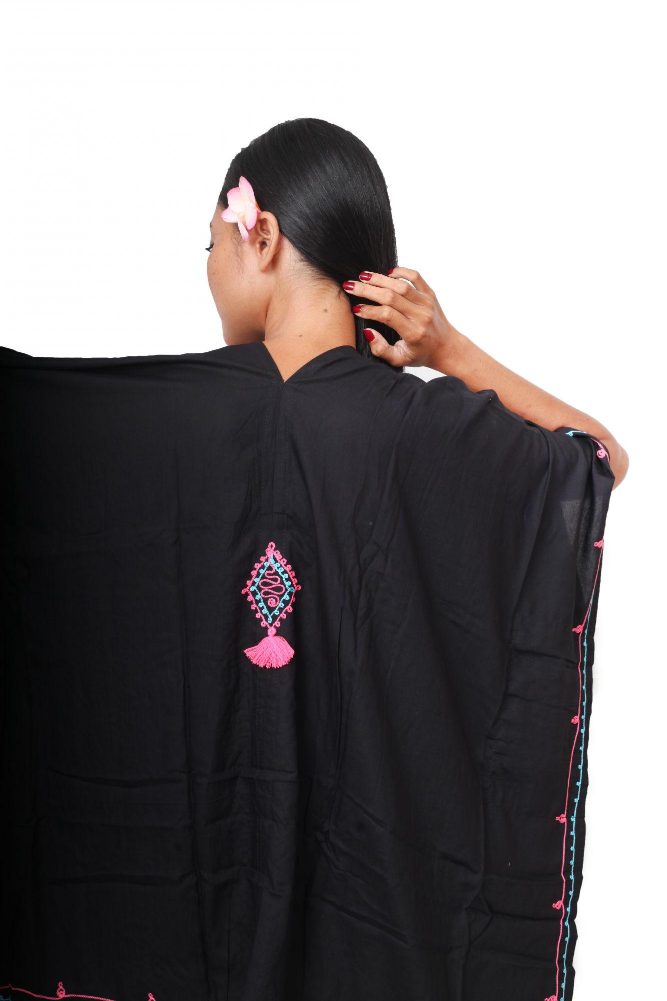 Robe ample d\'été brodée noir