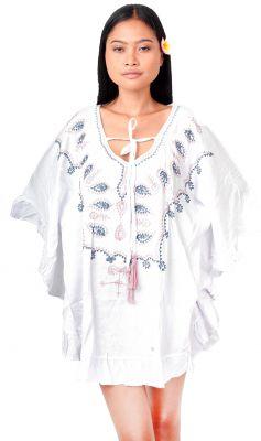 Robe blanche d\'été brodée femme