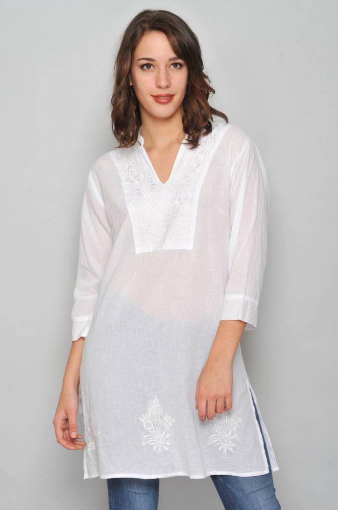 Robe courte blanche transparente