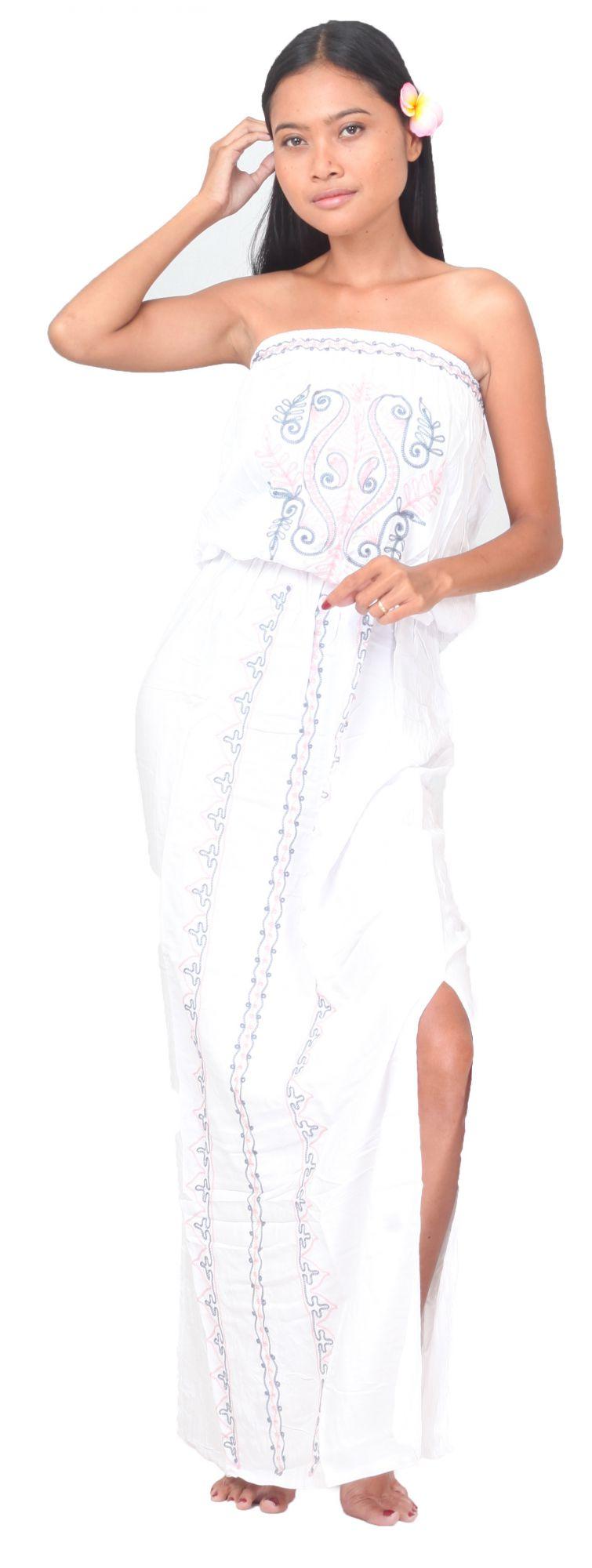 Robe de plage brodée blanche