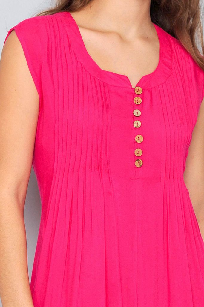 Robe de plage rose sans manches